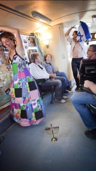 Janken en schieten van Ilay den Boer<br/>Fotografie: Moon Saris, Theater in Beeld